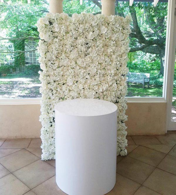 Round White Cake Table