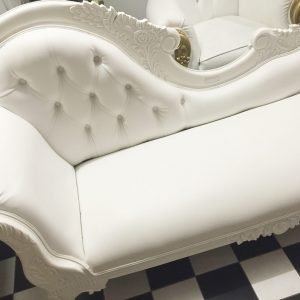 Liyane White Chaise Lounge